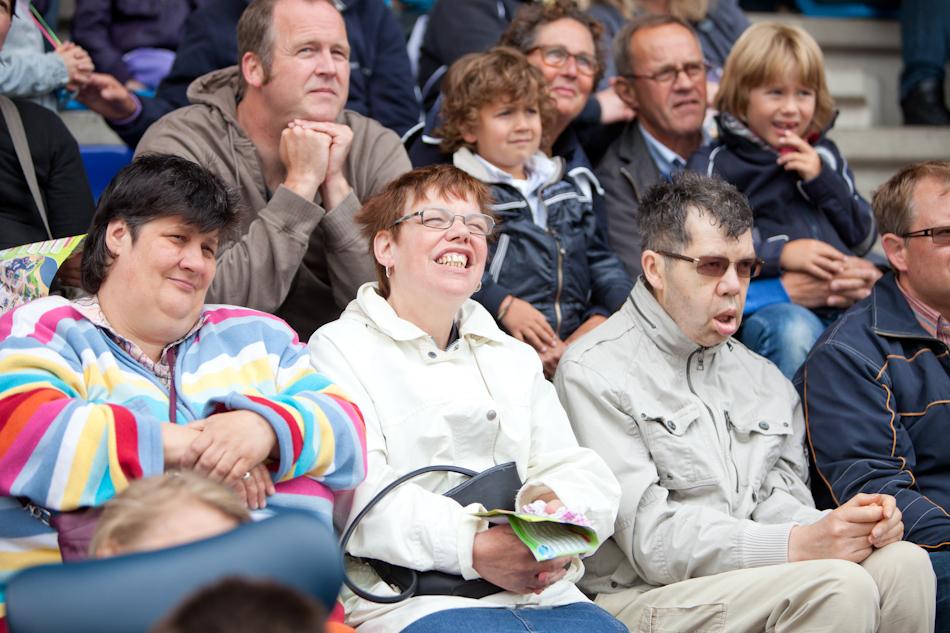 Lachende mensen met een verstandelijke beperking